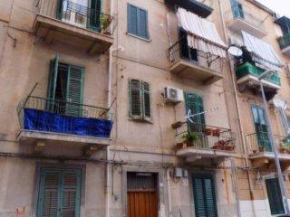 Foto 1 di Trilocale via Amerigo Vespucci, Palermo (zona Galilei - Palagonia - Giotto)