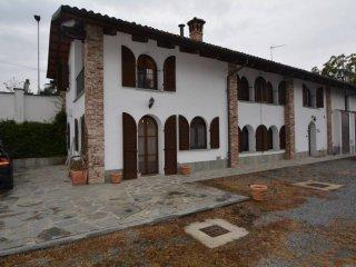 Foto 1 di Villa via Pietro Sola Vescovo, frazione San Bernardo, Carmagnola