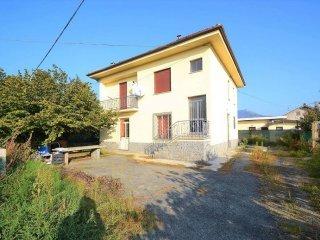 Foto 1 di Villa via Pinerolo, frazione Bivio, Frossasco