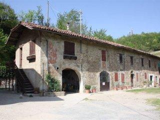 Foto 1 di Villa Santo Stefano Belbo