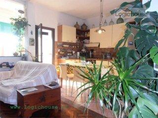 Foto 1 di Quadrilocale via Rusca, 41, Savona