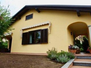 Foto 1 di Villa via Adriano Ghione 49, Feletto