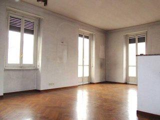 Foto 1 di Quadrilocale via Cecchi, 57, Torino (zona Valdocco, Aurora)