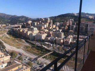 Foto 1 di Appartamento via VIA MONTALDO, Genova (zona Marassi-Staglieno)