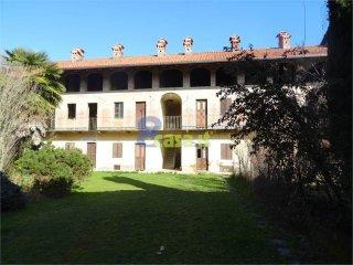 Foto 1 di Palazzo / Stabile Foglizzo