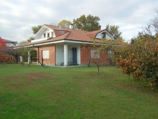 Foto 1 di Villa Rivarossa