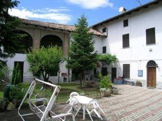 Foto 1 di Casa indipendente Villadeati