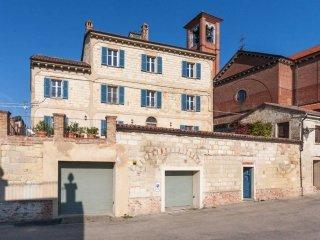 Foto 1 di Palazzo / Stabile Olivola