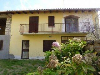 Foto 1 di Rustico / Casale Mombello Monferrato