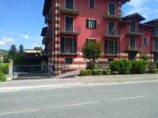 Foto 1 di Appartamento Calamandrana
