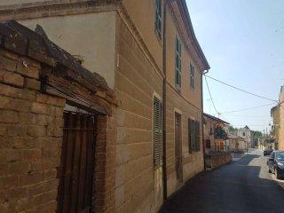 Foto 1 di Casa indipendente via Castello 17, Frinco