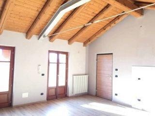 Foto 1 di Trilocale Via Oscar Milano, Sanfrè