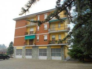 Foto 1 di Quadrilocale Via Alba, Costigliole D'asti