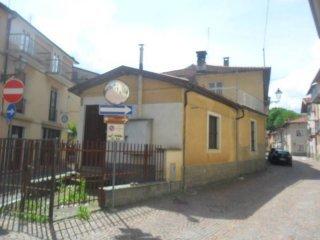 Foto 1 di Trilocale Piazza Cesare Battisti4, Chiusa Di Pesio