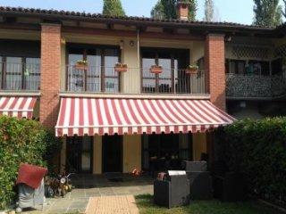 Foto 1 di Villa a Schiera via del pascolo, Nichelino