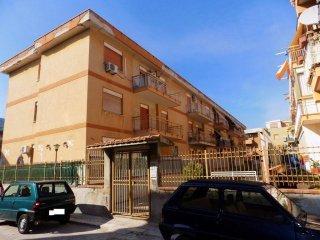 Foto 1 di Quadrilocale via Emerico Luna, Palermo (zona Borgonuovo - Passo di Rigano - Uditore - Cruillas)