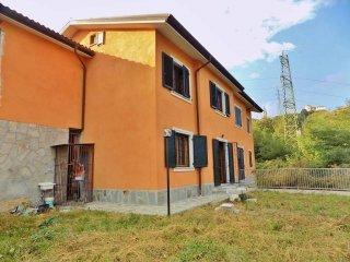 Foto 1 di Casa indipendente via Porcile, Genova (zona Bolzaneto)