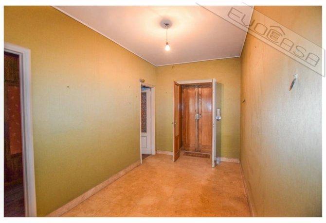 Foto 3 di Appartamento piazza Luigi Facta 9, Pinerolo