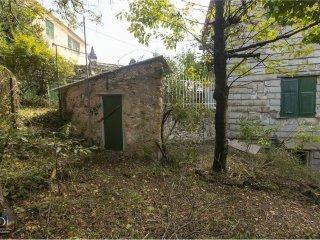 Foto 1 di Trilocale salita Chiapparolo, 16, Genova (zona S.Fruttuoso-Borgoratti-S.Martino)