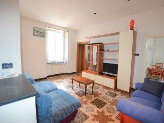 Foto 1 di Appartamento piazza Giusti, Genova (zona San Fruttuoso)