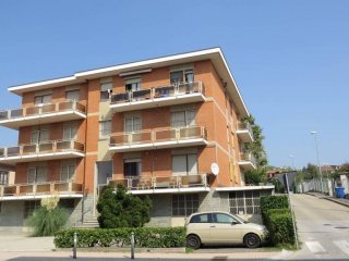 Foto 1 di Trilocale via Torino 131, Trofarello