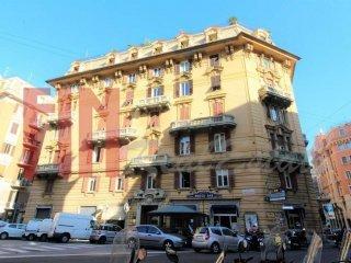 Foto 1 di Appartamento via Fiasella, Genova (zona Centro città)