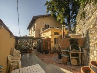 Foto 1 di Porzione di casa via bruno bonanno  3, Genova (zona Quinto-Nervi)
