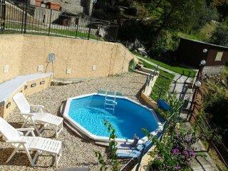 Foto 1 di Villa via posato 1, frazione Salto Chiesa, Avegno