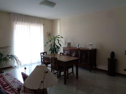 Foto 3 di Appartamento VIA XXIV MAGGIO, Piacenza