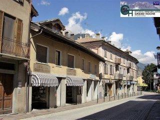 Foto 1 di Bilocale via Monginevro 64, Oulx
