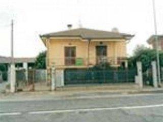 Foto 1 di Casa indipendente strada Cavour , 14, Villafranca Piemonte