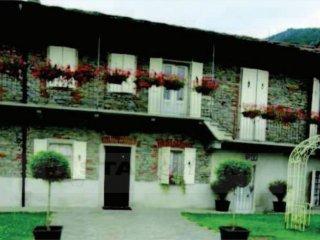 Foto 1 di Casa indipendente via Ponte Palestro , 25, San Germano Chisone