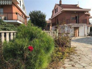 Foto 1 di Villa via Monviso, 12, La Loggia