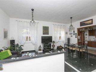Foto 1 di Appartamento via Robino, 3, Genova (zona Marassi-Staglieno)