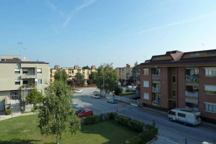 Foto 4 di Quadrilocale Cuneo