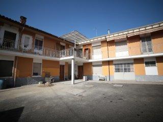 Foto 1 di Palazzo / Stabile Carmagnola