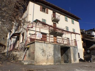 Foto 1 di Palazzo / Stabile Valsavarenche