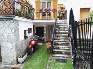 Foto 1 di Casa indipendente Frassino