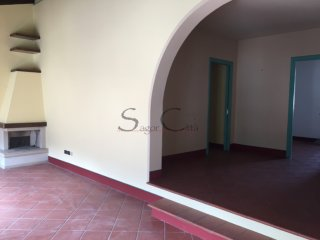 Foto 1 di Quadrilocale VIA ROMA, Cavour