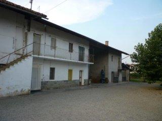 Foto 1 di Rustico / Casale CENTRO, Garzigliana