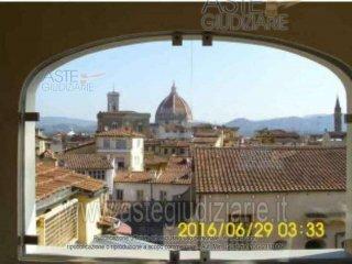 Foto 1 di Appartamento lungarno archibusieri 8, Firenze (zona Duomo, Oltrarno)