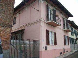 Foto 1 di Casa indipendente Castello Di Annone