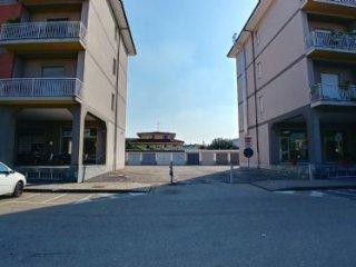Foto 1 di Box / Garage Piazza 4 novembre, San Damiano D'asti