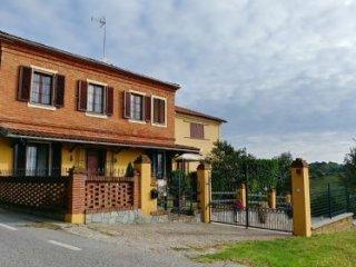 Foto 1 di Rustico / Casale Via San Pietro 24, Portacomaro