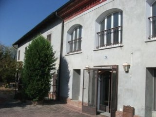 Foto 1 di Villa via Bricco Chicchetto, Portacomaro