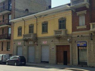 Foto 1 di Porzione di casa via Pianezza 93, Torino (zona Lucento, Vallette)