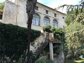 Foto 1 di Palazzo / Stabile Rosignano Monferrato