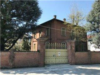 Foto 1 di Villa Poirino