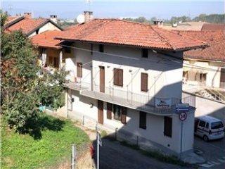 Foto 1 di Trilocale Via Tavolazzo 2, Poirino