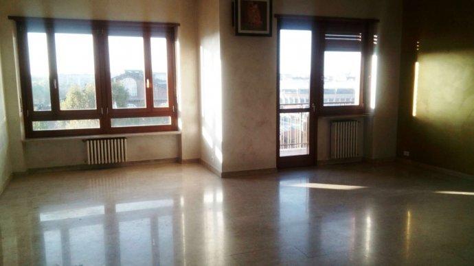 Foto 2 di Quadrilocale via Arnaldo da Brescia, Torino (zona Lingotto)